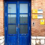 Puerta exterior de acceso a P.I.F.